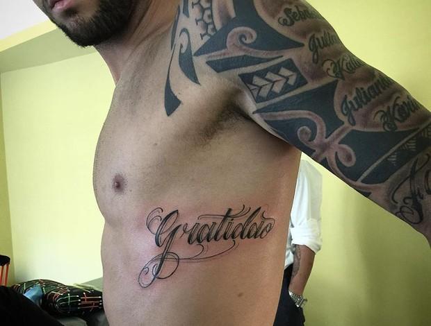Felipe Anderson faz nova tatuagem