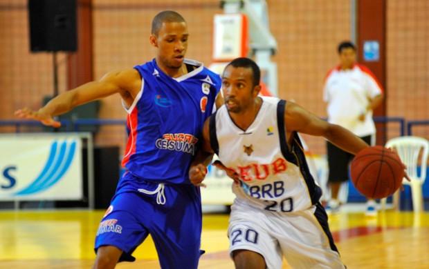 Eric Tatu Brasília e Jefferson Campos do Suzano (Foto: Brito Júnior / Divulgação)