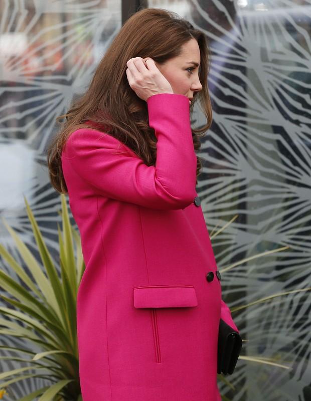 Kate Middleton na última aparição antes de dar à luz segundo filho (Foto: Reuters)