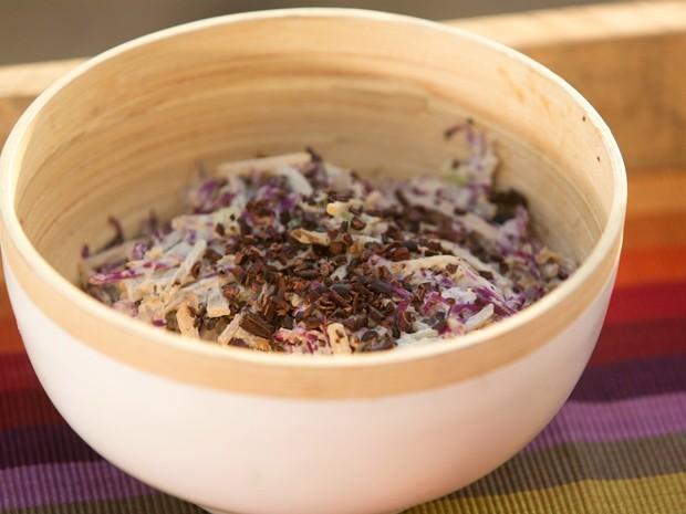 Bela Cozinha Vero - Ep. 1 - Salada de yacon com maionese de castanha e mostarda  (Foto: Joo Franco)