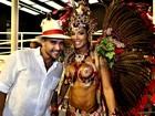 Diogo Nogueira elogia a mulher na Sapucaí: 'Uma delícia'