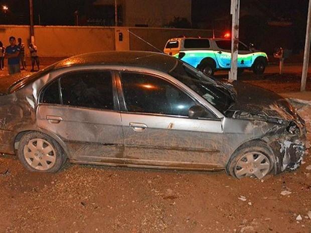Suspeito negou ser dono do carro envolvido em acidente após disparos (Foto: Fernando Luiz/Comando 190)