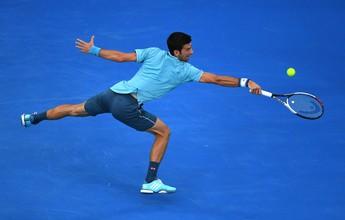 Em jogo de altos e baixos, Djokovic se beneficia de erros para espantar zebra