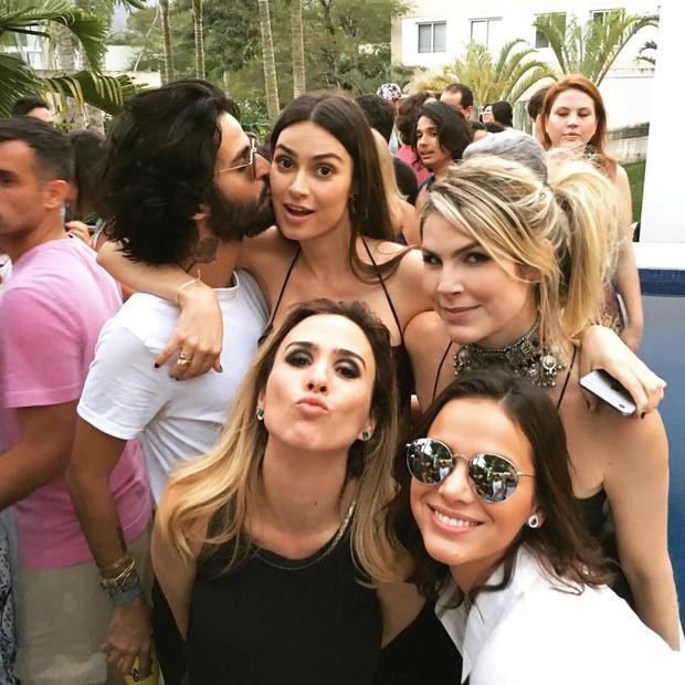 André Nicolau, Thaila Ayala, Júlia Faria, Tatá Werneck e Bruna Marquezine (Foto: Reprodução/Instagram)