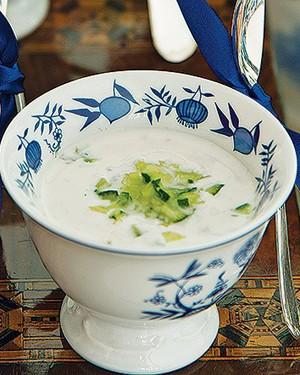 Sopa fria de iogurte e pepino (Foto: Cacá Bratke/Casa e Comida)