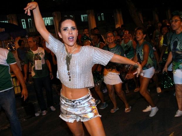 Wanessa em ensaio de rua da Mocidade na Zona Norte do Rio (Foto: Anderson Borde/ Ag. News)