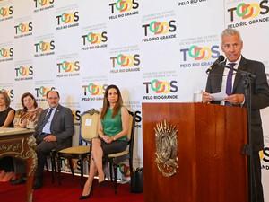Secretário João Gabbardo fala sobre coeficiente de mortalidade infantial (Foto: Luiz Chaves/Palácio Piratini)
