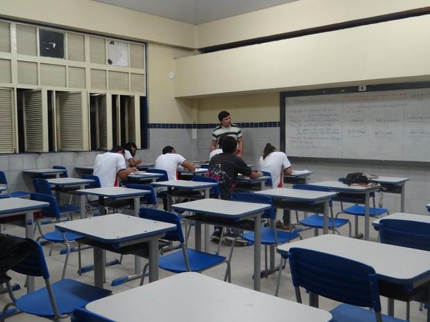 Em muitas escolas do estado, a evasão escolar é grande. (Foto: Rivângela Gomes/G1)