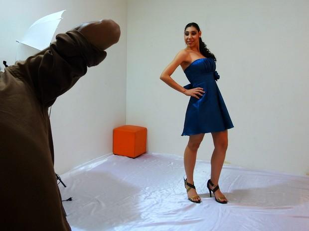 Ana Victória foi destaque após projeto de sessões de fotos em agência de modelo (Foto: Indiara Bessa/G1 AM)