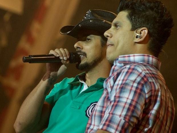 A dupla João Carreiro e Capataz faz show na Festa do Peão de Americana (Foto: Flavio Moraes /G1)