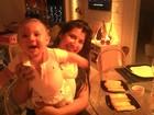 Filho de Priscila Pires aprende a engatinhar e ex-BBB comemora