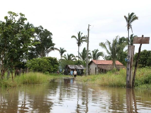 Famílias estão isoladas por conta das chuvas (Foto: Prefeitura de Barra do Bugres-MT)