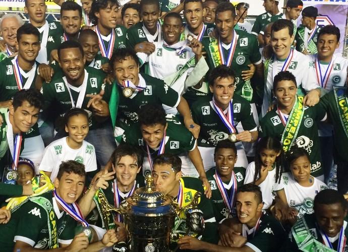 Goiás campeão goiano de 2015 (Foto: Fernando Vasconcelos/GloboEsporte.com)
