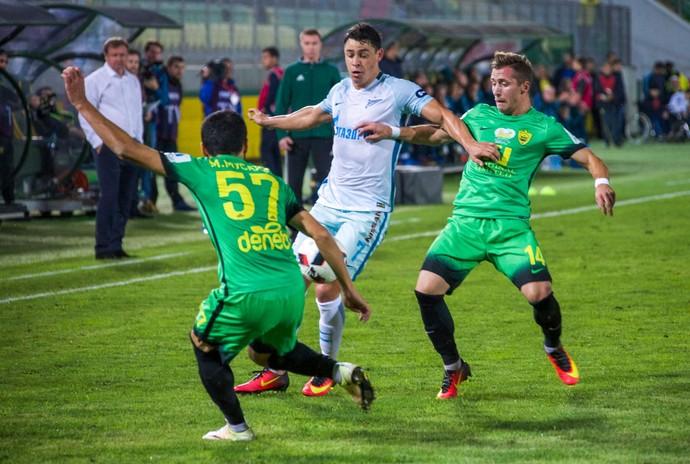 Giuliano, Anzhi x Zenit (Foto: Vyacheslav Yevdokimov / FC Zenit)