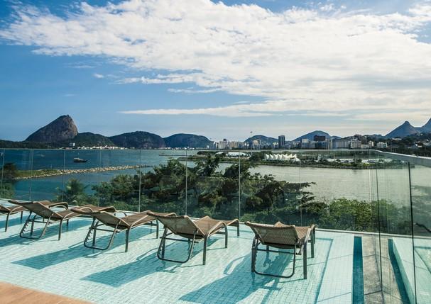 A piscina do hotel Prodigy Santos Dumont (Foto: Divulgação)