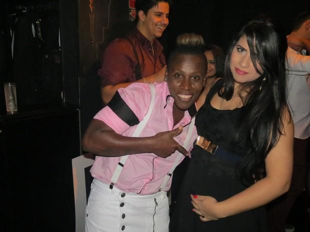 Neném com a mulher, Thais Baptista, grávida, em festa em São Paulo (Foto: Divulgação)