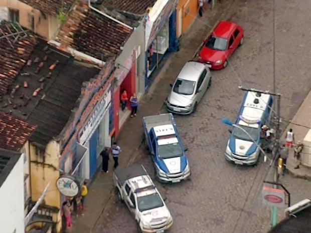 Família de gerente é feita refém na Bahia (Foto: Reprodução/TV Bahia)
