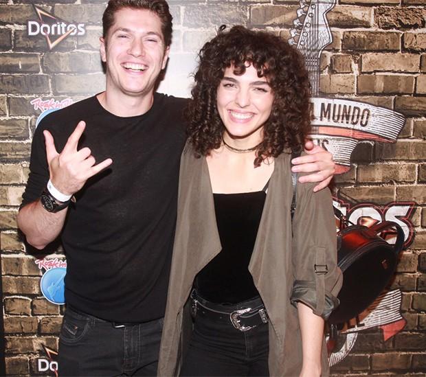 Caio Paduan e Julia Konrad (Foto: Sergio Gallo / Ed. Globo)