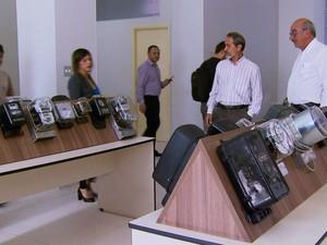 Para celebrar os 70 anos do DME, museu expõe 200 peças históricas (Foto: Reprodução EPTV)