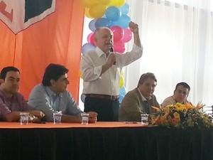 Pré candidato afirma apoio a obras de Hospital em Divinópolis (Foto: Anna Lúcia Silva/G1)