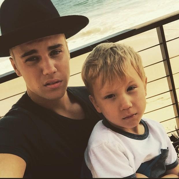 Justin e o irmão mais novo, Jaxon (Foto: Reprodução/Instagram)