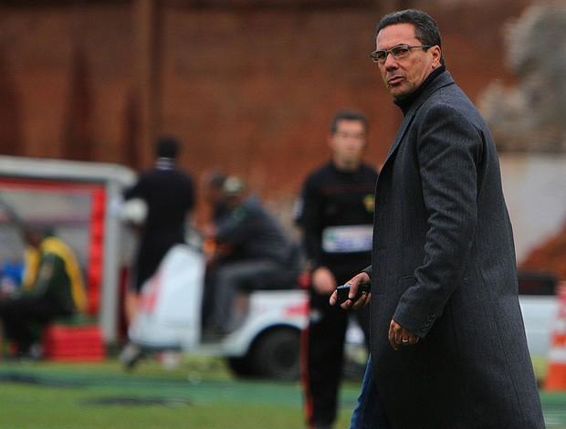 Luxemburgo, técnico do Grêmio, contra o Inter (Foto: Lucas Uebel/Grêmio, Divulgação)