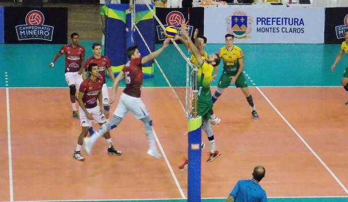 Equipe fez bom jogo, com marcação forte do bloqueio (Foto: Ricardo Guimarães/GE)