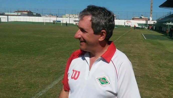 Alexandre Barroso, técnico da Cabofriense (Foto: Gustavo Garcia)