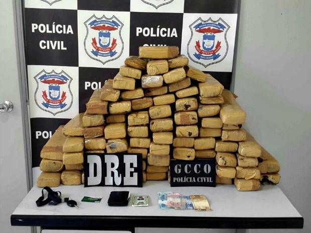 Polícia encontrou 80 tabletes de maconha, totalizando 100 kg de droga (Foto: Divulgação/Polícia Civil de MT)