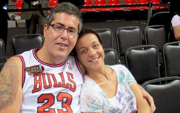 casal de torcedores jogo NBA Chicago Bulls e Washington Wizards Rio de Janeiro (Foto: Marcello Pires)