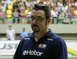 ewerton komatsubara - diretor mogi basquete (Foto: Thiago Fidelix)