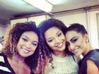 Sabrina Sato posa com rainhas em  gravação de vinheta de carnaval