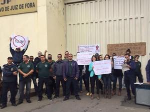 Manifestação servidores socioeducativos em Juiz de Fora (Foto: Lúcia Canabrava/Arquivo Pessoal)