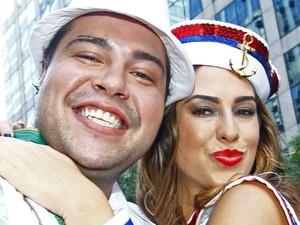 Tiago Abravanel e Fernanda Paes Leme no Bloco da Preta (Foto: Paulo Vitor/G1)