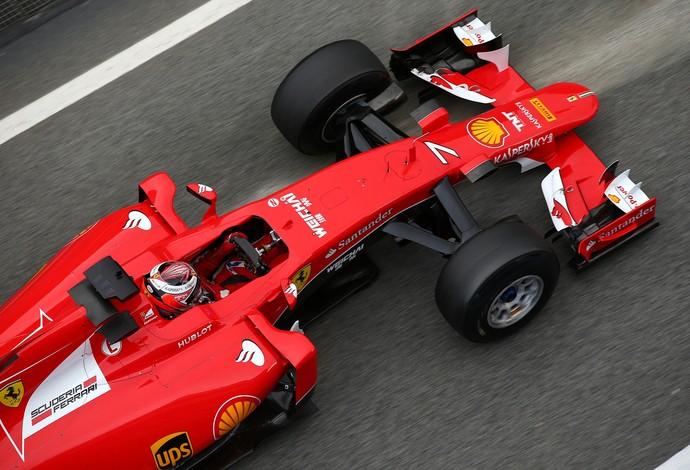 Kimi Raikkonen fez terceiro melhor tempo do dia, apenas 0s014 mais lento que Felipe Massa (Foto: Getty Images)