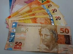 Dívidas estão entre problemas dos jovens do Alto Tietê que não conseguem administrar dinheiro (Foto: Gladys Peixoto/G1)