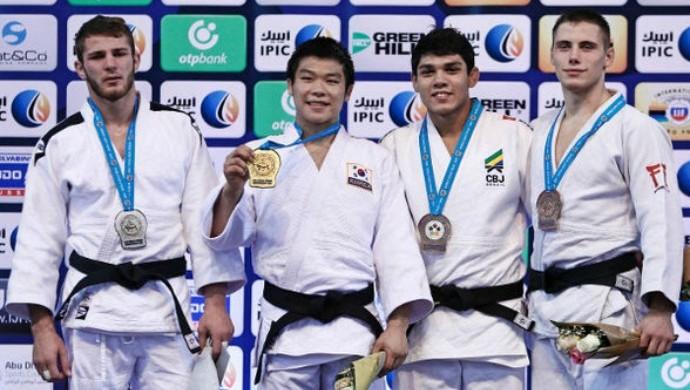Lincoln Neves bronze mundial sub-21 judô (Foto: IJF)