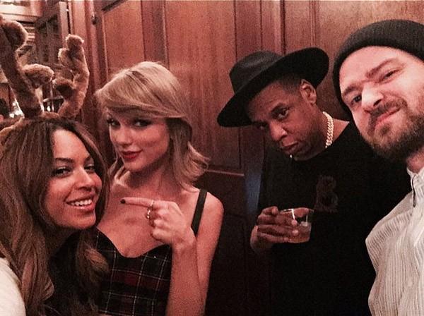 Taylor Swift fez questão de mostrar que fez 25 anos bem acompanhada ao lado de Beyoncé, Jay-Z e Justin Timberlake (Foto: Instagram)