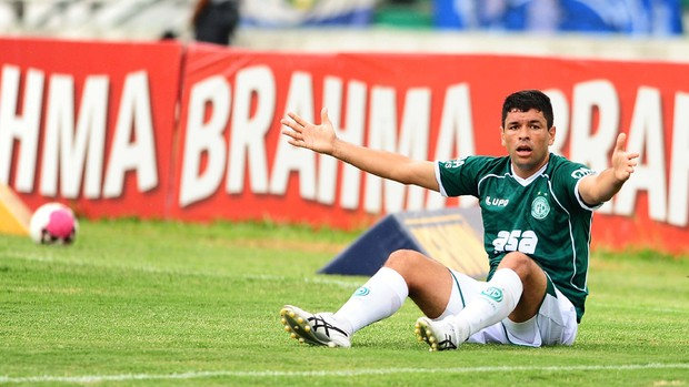 Schwenck lamenta chance perdida pelo Guarani (Foto: Marcos Ribolli/ Globoesporte.com)
