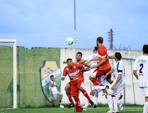 Grabriel marca o primeiro gol do CRB no jogo com o Crac (Foto: Ailton Cruz/ Gazeta de Alagoas)