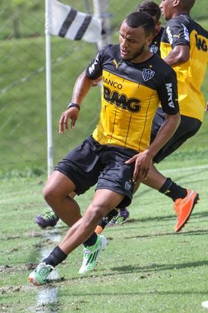 Lateral Patric retornou ao Atlético-MG após um período emprestado (Foto: Bruno Cantini/Flickr do Atlético-MG)