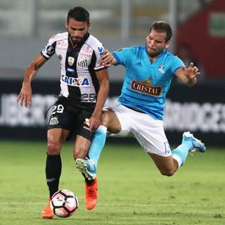 Thiago Maia e Revoredo, Sporting Cristal x Santos (Foto: Reuters)