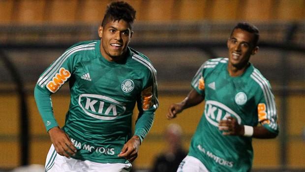Leandro gol Palmeiras x Botafogo-SP (Foto: Wagner Carmo / Ag. Estado)