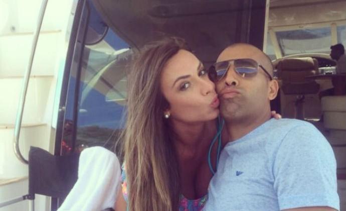 Nicole Bahls e Emerson Sheik (Foto: Reprodução/Instagram)