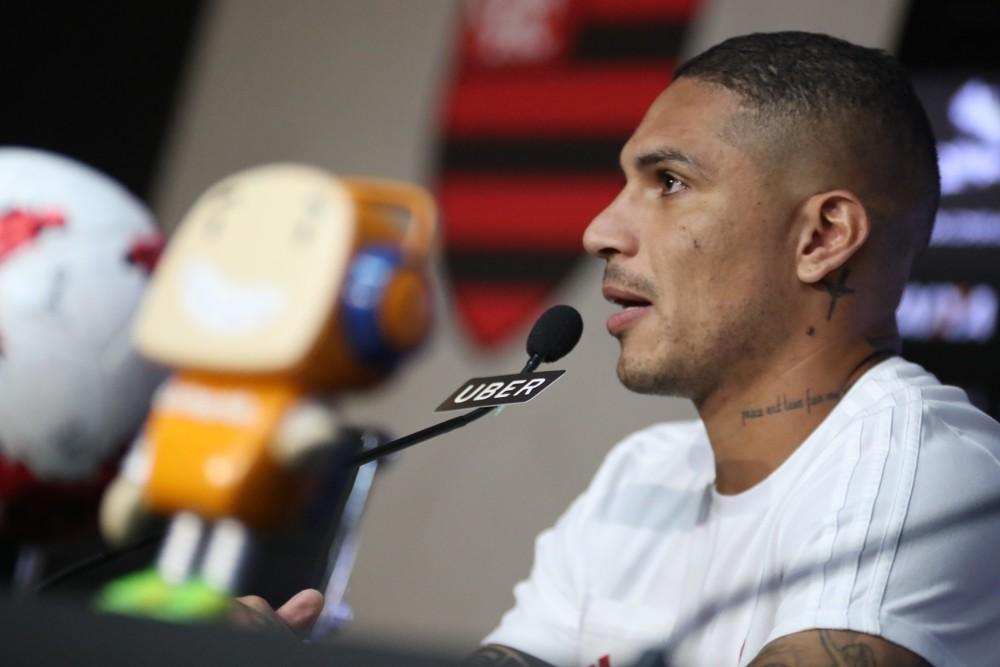 """Guerrero pede atenção contra o Santos e mira Corinthians: """"Falta muito ainda"""""""