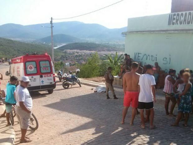 Crime aconteceu em frente ao local onde seria contruída uma Igreja Evangélica em Jequié (Foto: Blog Jequié Repórter)