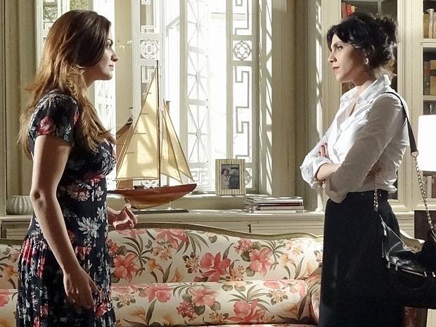 Elisa pressiona Miriam para tentar afastá-la de Rodrigo (Foto: Amor Eterno Amor/TV Globo)