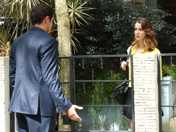 Marcos banca o bom moço e vai atrás da ex (Foto: Raphael Dias/Gshow)