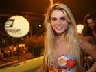 Solteira, Bárbara Evans se diverte em camarote do Pré-Caju em Aracaju