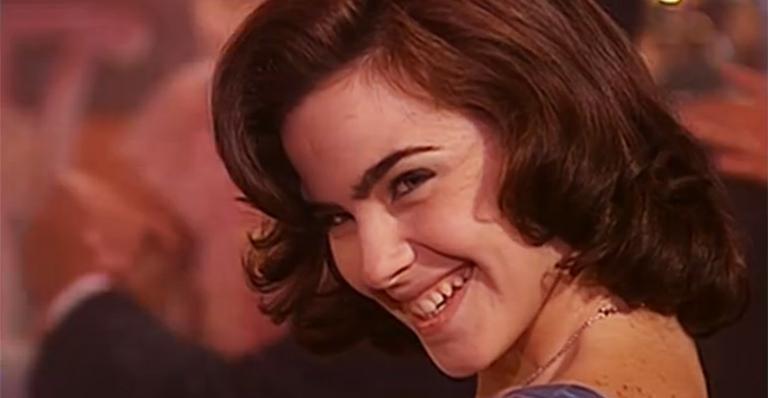 Ana Paula Arósio em cena da série 'Hilda Furacão' (Foto: reprodução)